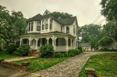Smokey Victorian House, Historic