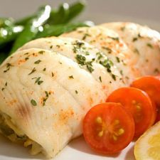 Baked Flounder Stuffed With Crabmeat - Try crab-stuffed flounder for a seafood double whammy. Sauteed veggies help turn the crab meat into a delicious stuffing. Lots of lemon juice and butter make this taste like a restaurant dish. Baked Flounder, Flounder Recipes, Stuffed Flounder With Crabmeat, Fish Recipes, Seafood Recipes, Cooking Recipes, Healthy Recipes, Healthy Food, Pisces