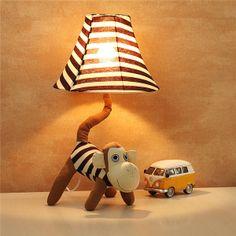 Die Lampe muss man einfach im Kinderzimmer haben.