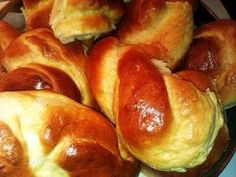 The Secrets of Pan.oraias: Three perfect recipes for fluffy and fragrant buns! Greek Easter Bread, Greek Bread, Greek Cake, Eat Greek, Greek Sweets, Greek Desserts, Greek Recipes, Greek Cooking, Cooking Time