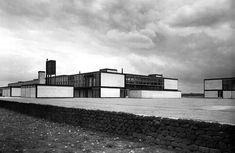 Alison and Peter Smithson, Secondary Modern School, Hunstanton (1949-54). #brutalism #architecture