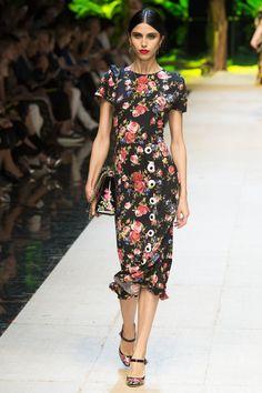 Dolce & Gabbana Spring 2017 Ready-to-Wear Fashion Show - Diana Galimullina