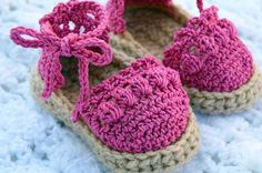 Crochet Baby Espadrilles Sandals by on EtsyDiscover thousands of images about Crochet Pattern - Chasing Chevrons Baby Sandals by A Crocheted Simplicity Sizes Newborn thru 12 monthsThis Pin was discovered by Judadkartsboutiq… Excited to share the la Booties Crochet, Crochet Baby Sandals, Baby Girl Crochet, Crochet Baby Clothes, Crochet Shoes, Crochet Slippers, Baby Blanket Crochet, Crochet For Kids, Baby Booties