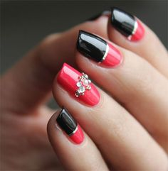 red-black-nail-polish.jpg (450×460)