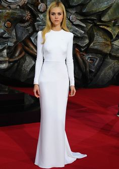 Nicola Peltz's white long sleeve gown that she wore in Berlin on June 2014 Dress Plus Size, Wedding Dresses Plus Size, Best Wedding Dresses, Wedding Pics, Elegant Dresses, Beautiful Dresses, Nice Dresses, Dresses 2016, Nicola Peltz Transformers