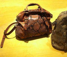 Snake Print Handbag_Python handbag_italian calf leather