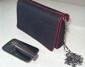Sac pochette noir passepoilé rouge à bandoulière : Sacs bandoulière par l-atelier-dina