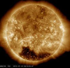 Sol começa o ano com enorme 'buraco' perto do polo sul do astro | Gavião da Paraíba