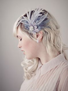 http://deannadibenemillinery.com/bridal/77/Antoinette-Dusty-Gray-Feather-Hair-Clip-Fascinator