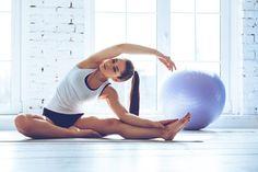 5 exercícios de pilates para relaxar os músculos no pós-viagem