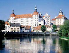 Neuburg an der Donau - Castello sul Danubio a Neuburg (Germania)