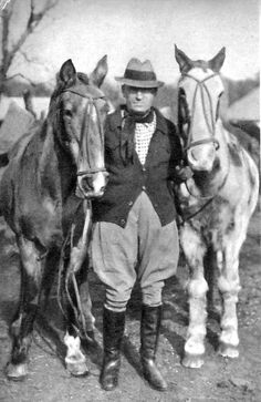 Aimé Tschiffely and his Criollo horses, Mancha and Gato Travel 10,000 miles, from Buenos Aires to New York City, on horseback together in 1925.