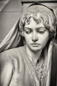 Cimitero Monumentale di Staglieno, Genova……SO VERY BEAUTIFUL……LIKE A REAL PERSON INSTEAD OF A STATUE……ccp
