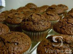 Recept na lahodné čokoládové muffiny vhodné na každou oslavu, party nebo jen tak ke kávě. Cap Cake, Cheesecake Brownies, Nutella, Muffins, Food And Drink, Yummy Food, Sweets, Dishes, Baking