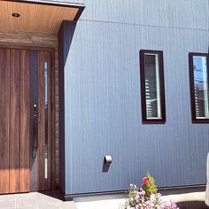 壁/天井/玄関/リクシル/ウッド/サイディング/ニチハについてのインテリア実例。 「これから玄関横にフェ...」 (2018-07-01 13:57:11に共有されました) Garage Doors, Outdoor Decor, Home Decor, Decoration Home, Room Decor, Home Interior Design, Carriage Doors, Home Decoration, Interior Design