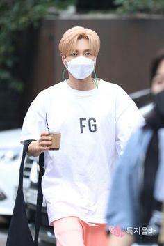 Leeteuk, Heechul, Super Junior, Programa Musical, Rain Jacket, Windbreaker, Graphic Sweatshirt, Kpop, Sweatshirts