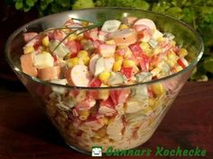 Wurst-Käse-Salat mit Mais und Paprika Sausage and cheese salad with corn and paprika Corn salad with roastedShrimp Avocado Corn SaladCheese salad – easy & lec Fruit Recipes, Salad Recipes, Healthy Recipes, Hamburger Meat Recipes, Sausage Recipes, Law Carb, Cheese Salad, Corn Cheese, Mushroom Recipes