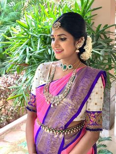This Stunning Mom-to-be Is The Epitome of Perfection! Best Blouse Designs, Half Saree Designs, Bridal Blouse Designs, Pattu Saree Blouse Designs, Indiana, Diamond Jewelry, Gold Jewelry, Diamond Necklaces, Gold Bangles