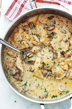 Stroganoff mushroom chicken, quick recipe by Easy Smoothie Recipes, Quick Recipes, Cooking Recipes, Healthy Recipes, Chicken Stroganoff, Sauce Stroganoff, One Pot Meals, Chicken Recipes, Recipe Chicken