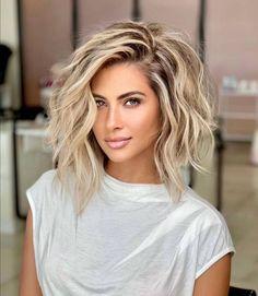 Medium Hair Styles, Curly Hair Styles, Medium Hair Cuts, Hair Color And Cut, Bob Hair Color, Hair Affair, Great Hair, Gorgeous Hair, Amazing Hair