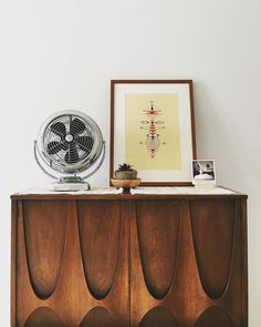 Our Sonoma frame fits in pretty well with all of this midcentury awesomeness, don't ya think? | Via @thekingoftheworld