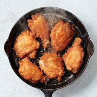 """And here is the beauty of the cast iron skillet: """"Make non-greasy fried food in a cast-iron skillet, like our delicious Skillet-Fried Chicken. Nothing like cooking with cast iron. Cast Iron Skillet Cooking, Iron Skillet Recipes, Cast Iron Recipes, Skillet Meals, Cooking With Cast Iron, Skillet Food, Egg Skillet, Oven Cooking, Cooking Recipes"""