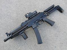 9-мм пистолет- пулемет ПП-19-01 Исполнение 20 Витязь- СН - цевье Зенит Б-10, перепиленное для установки на Витязь (оригинального цевья Б-21 под рукой не было) - рукоятка Зенит РК-4 - прицел ПК-21 - приклад Зенит ПТ-1…