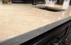 Limestone is the most popular type of natural stone that looks elegant with its neutral tones and light hues.Limestone is quite durable and in the production process does not require chemicals. Limestone Countertops, Quartz Countertops, Types Of Kitchen Countertops, Butcher Block Countertops, Countertop Materials, Remove Rust Stains, How To Remove Rust, Stone Kitchen, Cleaning