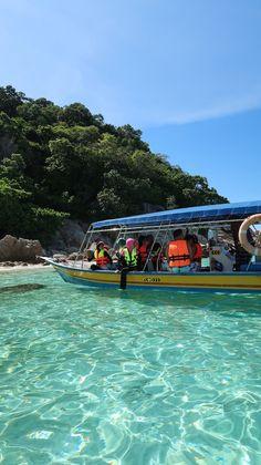 O paraíso azul das ilhas Perhentian, Malásia | Viaje Comigo Cameron Highlands, Kuala Lumpur, Islands, Traveling, Blue