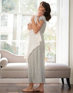 Stretch Marks During Pregnancy, Breastfeeding Cover, Skin To Skin, Pre Pregnancy, Stylish Maternity, Baby Safe, Knitted Blankets, Black Cotton