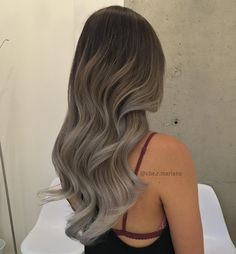 Looking for the best semi-permanent hair color? Here, the best-selling shades that will give you rich color, minus the commitment that comes with permanent hair color. Brown Hair Balayage, Hair Color Balayage, Haircolor, Semi Permanent Hair Dye, Pinterest Hair, Ombre Hair Color, New Hair Colors, Gorgeous Hair, Hair Looks