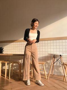 Korean Girl Fashion, Blackpink Fashion, Fashion Line, Asian Fashion, Daily Fashion, Fashion Outfits, Cute Casual Outfits, Pretty Outfits, Jennie Blackpink