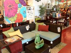 I love this outdoor patio set!  Pier 1 Ciudad Outdoor Furniture and Ceramic Yoga Frog with Green Leaf