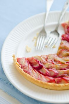 Rhubarb Tart - © 2012 Viviane Perenyi | At Down Under