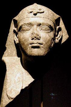 Tesoros sumergidos de Egipto .Cabeza de Esfinge Época Ptolemaica (305 - 30 a.C.) #egypt #egyptian #sculpture