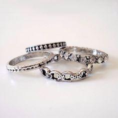 Conjuntinhos de anéis que são muito amor! ❤ apenas R$18,90 na loja virtual. #canelaacessorios #biju #bijuteria #online #acessorios #acessories