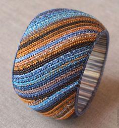Купить или заказать Браслет и серьги из полимерной глины 'Яркие краски' в интернет-магазине на Ярмарке Мастеров. Браслет из полимерной глины в очень сочных насыщенных цветах. В комплект входят серьги. Деревянная основа. Браслет на ручку с обхватом около 14-15 см.…