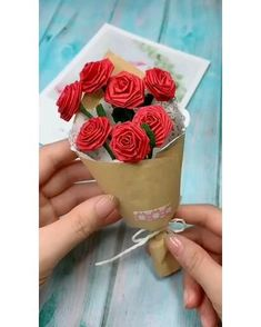 Paper Flowers Craft, Paper Crafts Origami, Easy Paper Crafts, Flower Crafts, Diy Crafts For Gifts, Creative Crafts, Fun Crafts, Valentine Crafts, Crepe Paper Streamers