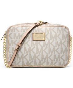 Get a fresh perspective on cool handbag decorum with this sophisticated yet…