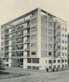 Unbelievable Modern Architecture Designs – My Life Spot Movement In Architecture, Modern Architecture Design, Facade Architecture, Modern Buildings, Residential Architecture, Bauhaus, Brutalist, Art Deco, Exterior