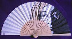MENCHU GAMERO: ABANICOS pintados a mano con motivos geométricos, abstractos o… John Lennon, The Beatles, Fan Art, Hand Painted, Age, Cool Stuff, Hand Fans, Pretty, Painting