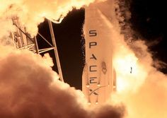 SpaceX finally lands its rocket on a drone ship after delivering.: SpaceX finally lands its rocket on a drone ship after… Nasa, Sistema Solar, Spacex Rocket Landing, Vandenberg Air Force Base, Spacex Falcon 9, Falcon 9 Rocket, Spacex Launch, Mission To Mars, Special Forces