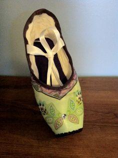 Irish Jig ...  Decorated Pointe Shoe