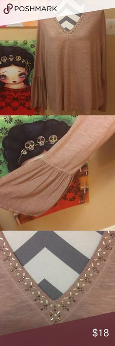 EUC Knox Rose top. EUC Knox Rose top with bell sleeves🌺🌺 Knox Rose Tops Tunics