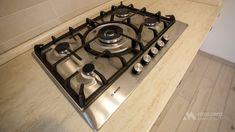 Mobila bucatarie clasica L-Shape - Mobila la comanda MOBIERA Iasi Kitchen Interior, Stove, Kitchen Remodel, Kitchen Appliances, Home Decor, Houses, Diy Kitchen Appliances, Home Appliances, Decoration Home