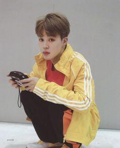 "9: GJK on Twitter: ""(SCAN) BTS MEMORIES OF 2018 02 Love Yourself 結 'Answer' Jacket Photograph… "" Park Ji Min, Mochi, Busan, Bts Bangtan Boy, Bts Jimin, Bts Boys, Jikook, Bts Group, Korean Boy Bands"