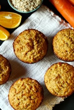 Muffins de zanahoria y avena Healthy Blueberry Muffins, Baking Muffins, Oatmeal Muffins, Breakfast Muffins, Quick Bread Recipes, Muffin Recipes, Sweet Recipes, Bolivian Food, Baby Cooking