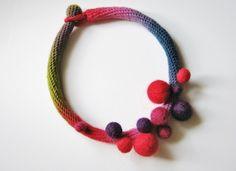 Wonderful crochet jewellery by Teresa Degleri Textile Jewelry, Fabric Jewelry, Crochet Jewellery, Boho Jewelry, Jewelery, Crochet Necklace, Handmade Jewelry, Cabochon Settings, Crochet Basics