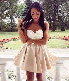 rochie scurta de bal ținută de ocazie