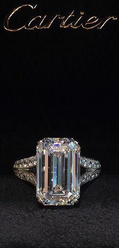 The Chic Technique: Cartier Diamond Emerald Cut Engagement Ring Cartier Diamond Rings, Emerald Diamond Rings, Huge Diamond Rings, Black Diamond Jewelry, Big Rings, Emerald Cut Diamonds, Ring Verlobung, Dream Ring, Schmuck Design